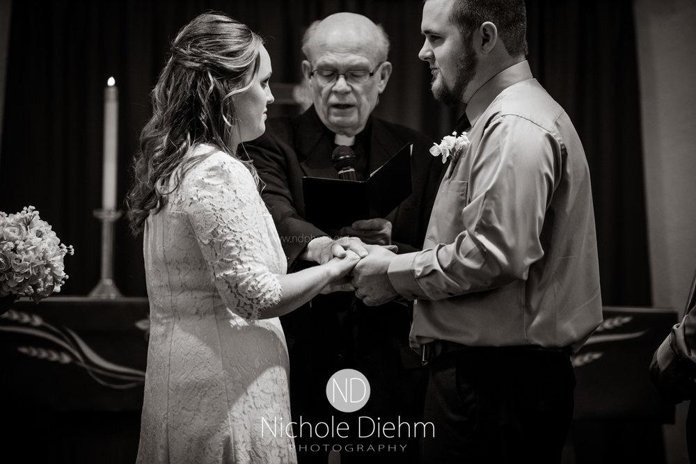 Derek-&-Ariana-Wedding-Photography-Waverly-Iowa-119.jpg