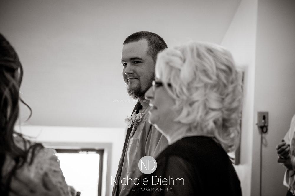 Derek-&-Ariana-Wedding-Photography-Waverly-Iowa-143.jpg