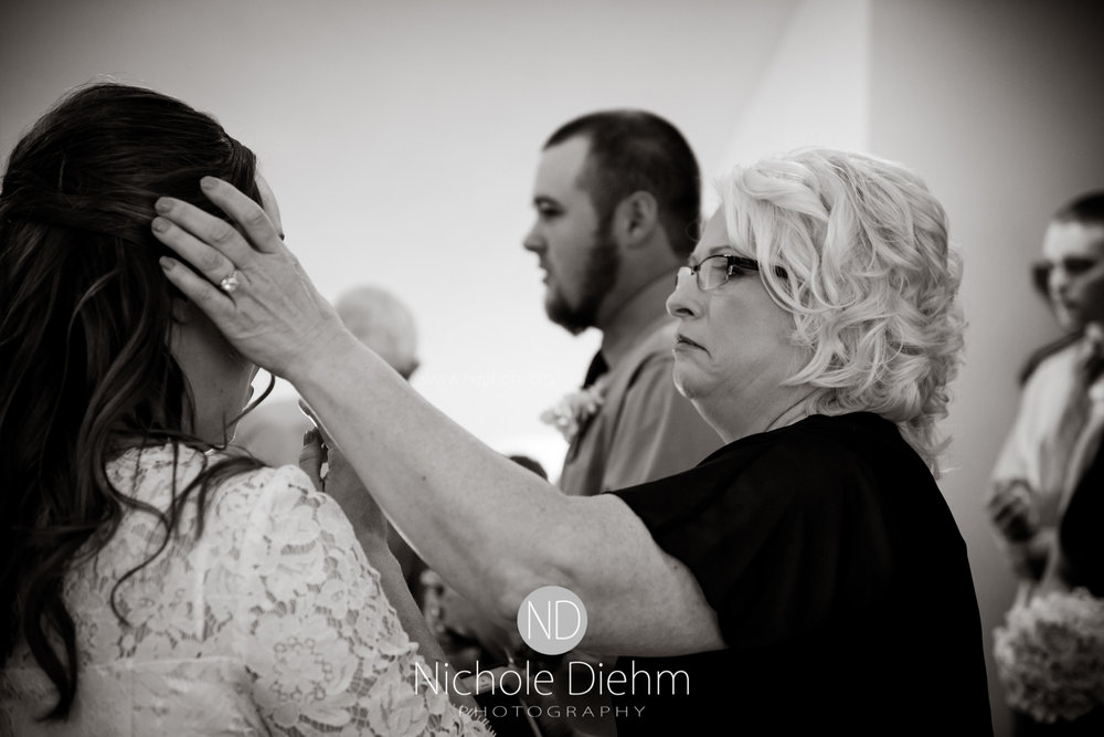 Derek-&-Ariana-Wedding-Photography-Waverly-Iowa-144.jpg