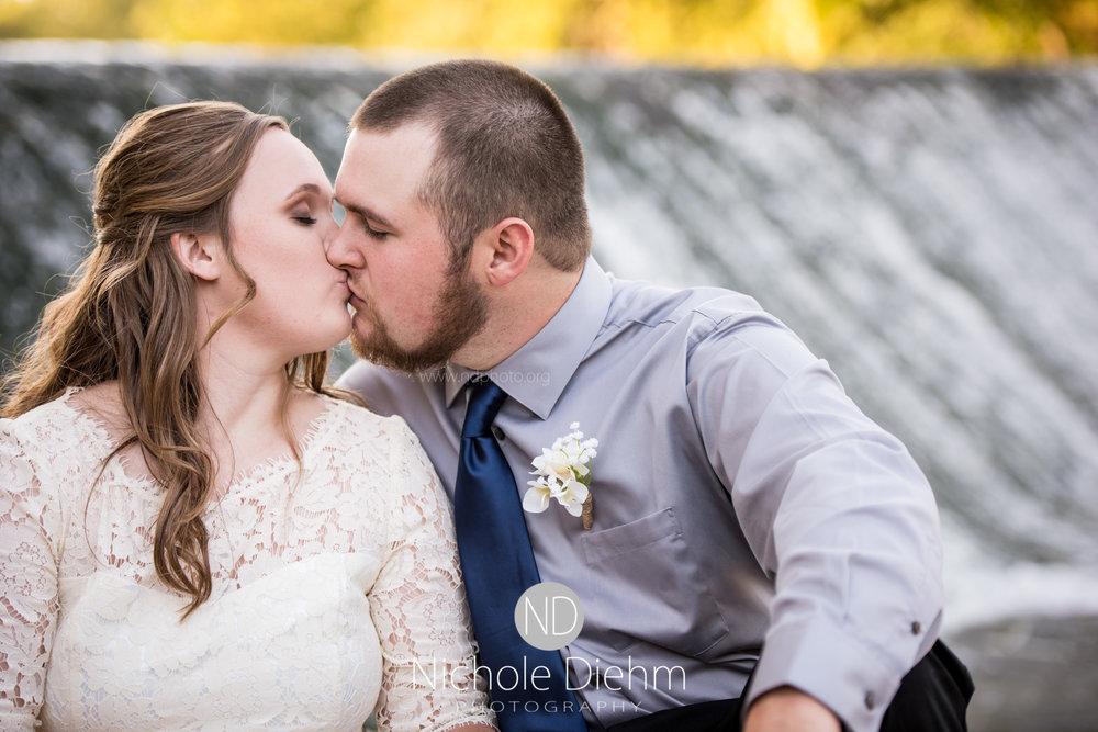 Derek-&-Ariana-Wedding-Photography-Waverly-Iowa-199.jpg