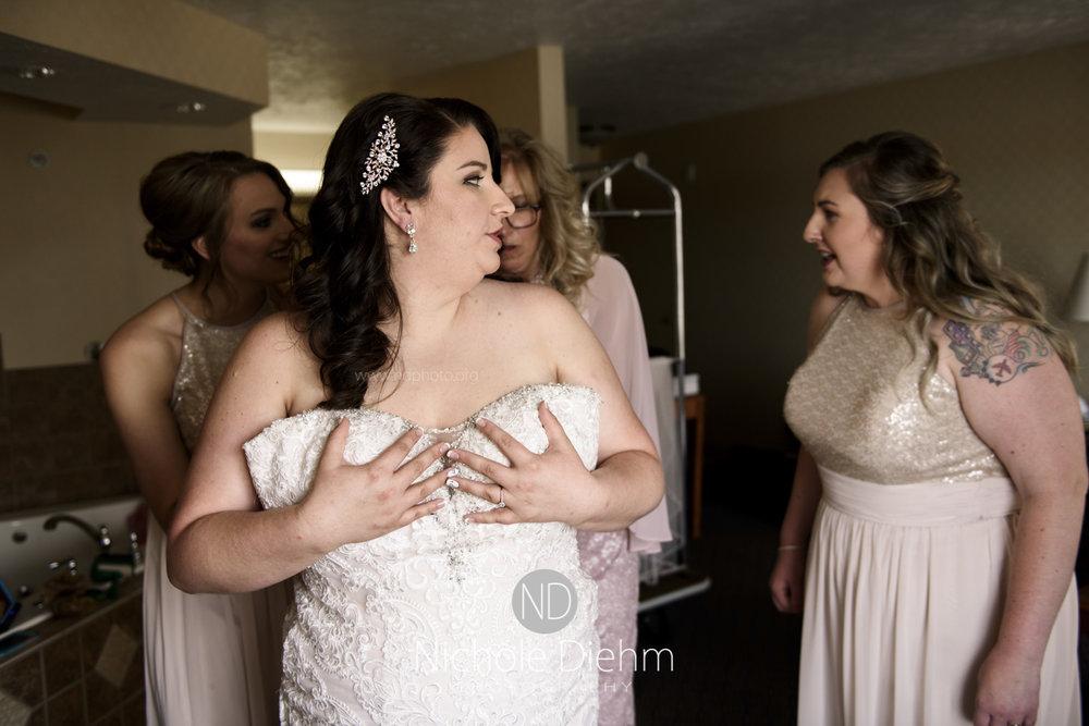 Darren & Lauren Cedar Falls Waterloo Iowa Wedding photography MOD Brown Derby-109.jpg