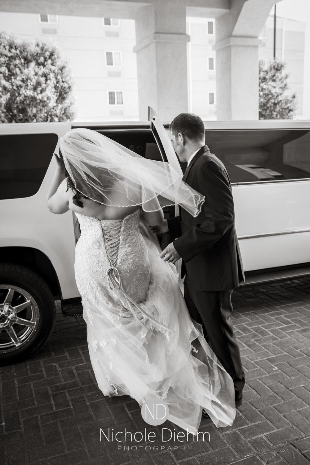 Darren & Lauren Cedar Falls Waterloo Iowa Wedding photography MOD Brown Derby-118.jpg