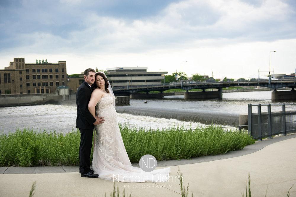 Darren & Lauren Cedar Falls Waterloo Iowa Wedding photography MOD Brown Derby-164.jpg