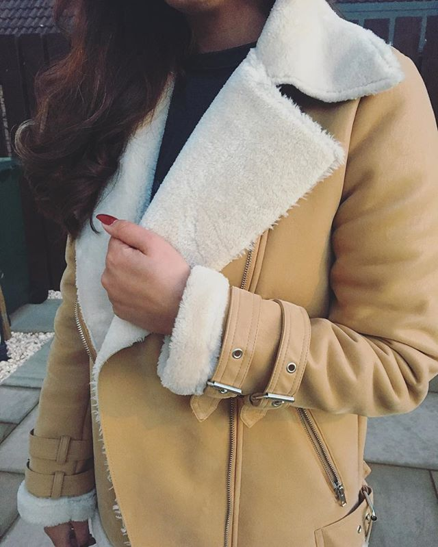 Cannot beat a good quality shearling jacket 😍😍 #winter #fashion
