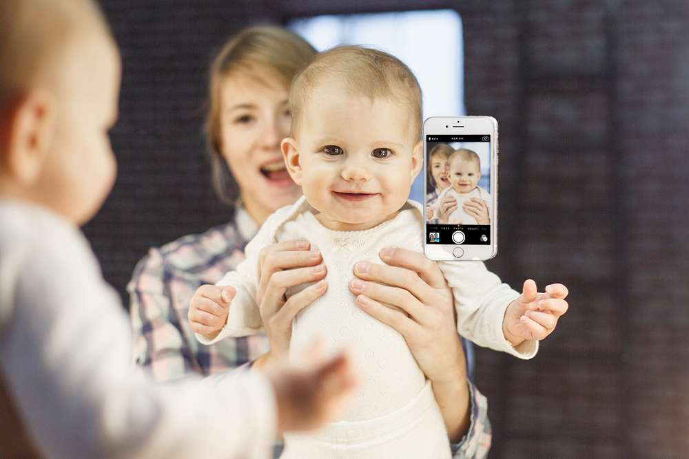 selfie_case_with_baby.jpeg