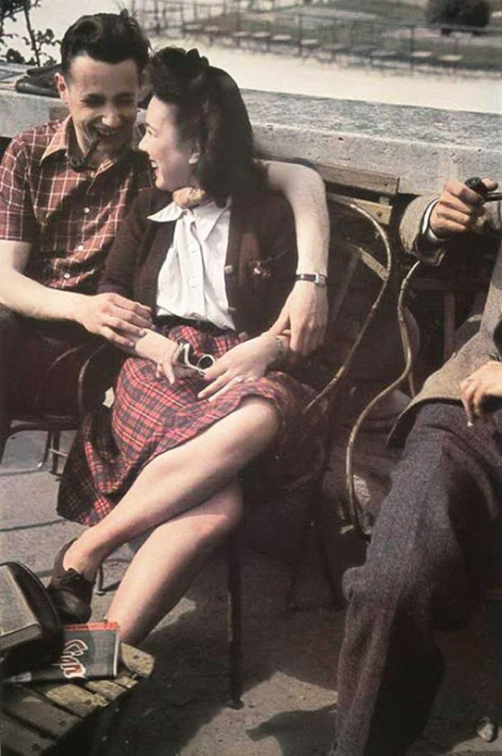 Parisian Women from between 1930s and 1940s (7).jpg