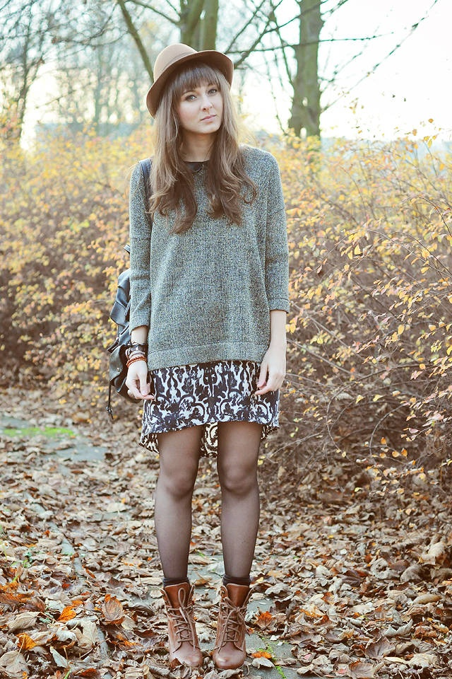 oversized-sweater-with-mini-skirt.jpg