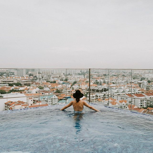 This photo is in no way representative of the weather I'm experiencing right now. It's been pouring rain here in San Francisco but I still have so many Southeast Asia photos to share from the last couple months. ✳︎ Is there any city with better pools than Singapore? I'm officially convinced that there isn't. This hotel @hotelindigokatongsg is also one of my favorite I've ever stayed in, so keep it in mind if you ever head to Singapore. The rooms are even better than the pool 😊 @hotelindigo ----------------------------------------------- • • • • • #hotelindigo #hotelindigosg #thisissingapore #visitsingapore #singaporetrip #singaporelife #sglife #exploresingapore #singaporeinsiders #yoursingapore #passionmadepossible #weekendersg #thisissingapore  #travelblogger #lifestyleblogger #southeastasia #darlingescapes #sheisnotlost #mypassport #girlslovetravel #beautifulplaces #femmetravel #girlaroundworld #globalstorybook #shetravelz #thetravelwomen  #travelinladies #citizenfemme #girldiscoverer #girlgetters #dametravelerhotels