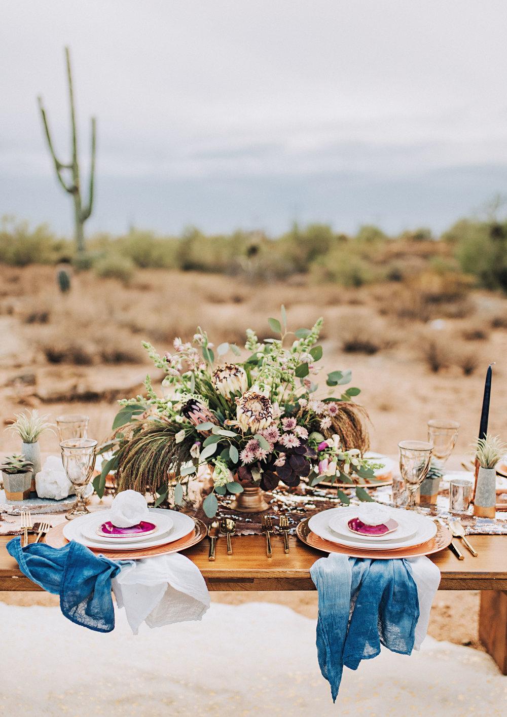 metallic desert shoot tremaine ranch phoenix arizona wedding event specialy vintage rentals1.jpg