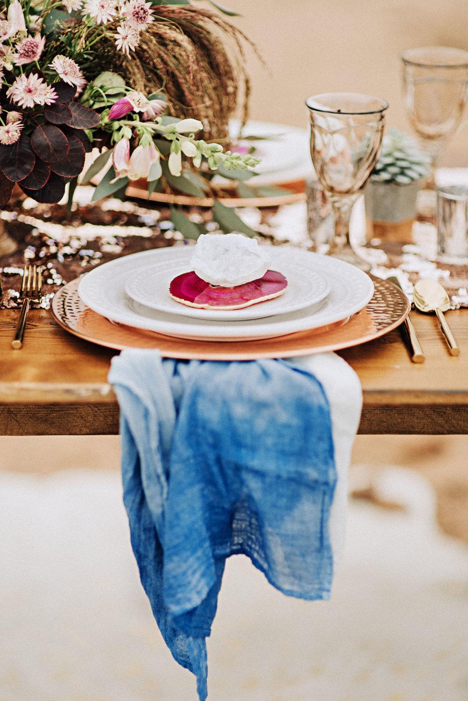 metallic desert shoot tremaine ranch phoenix arizona wedding event specialy vintage rentals4.jpg