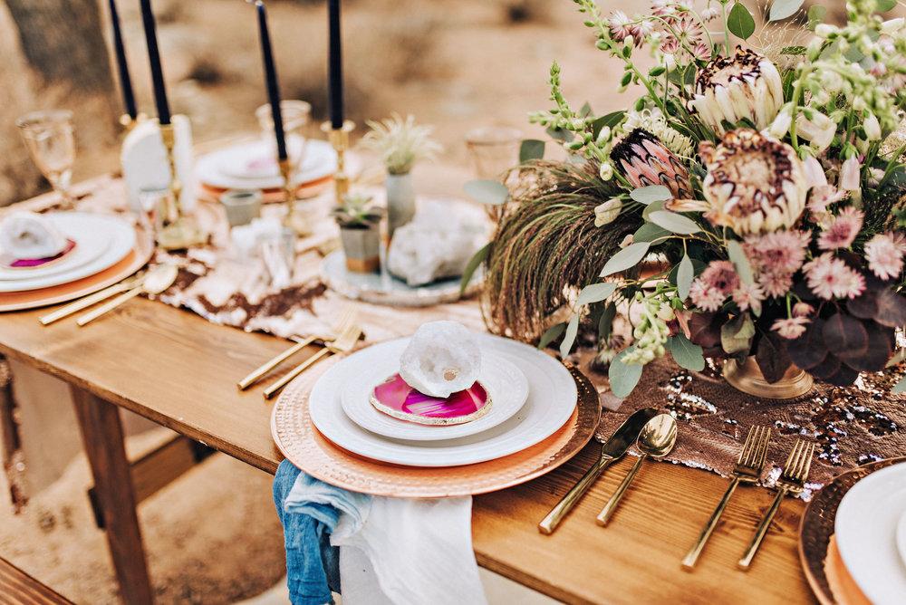 metallic desert shoot tremaine ranch phoenix arizona wedding event specialy vintage rentals2.jpg