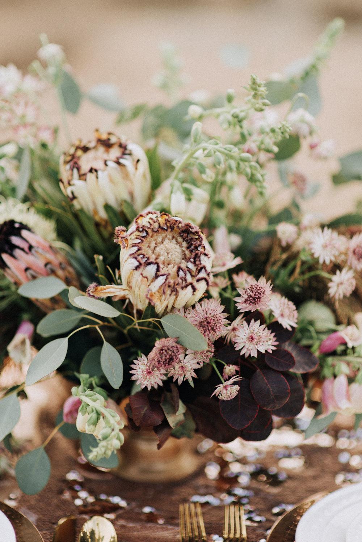 metallic desert shoot tremaine ranch phoenix arizona wedding event specialy vintage rentals17.jpg