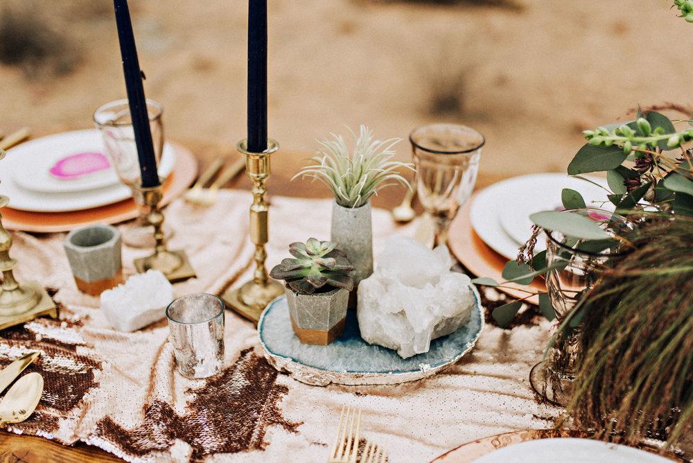 metallic desert shoot tremaine ranch phoenix arizona wedding event specialy vintage rentals20.jpg