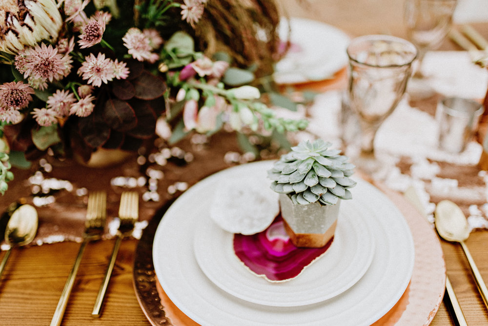 metallic desert shoot tremaine ranch phoenix arizona wedding event specialy vintage rentals21.jpg
