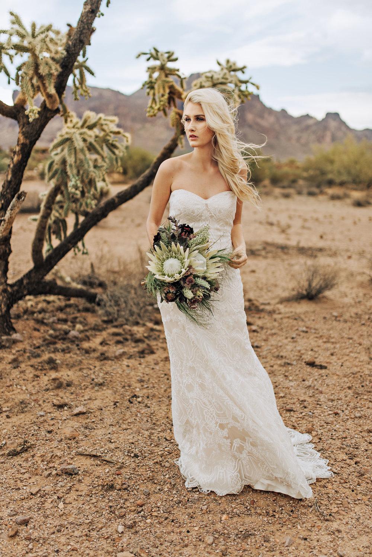 metallic desert shoot tremaine ranch phoenix arizona wedding event specialy vintage rentals26.jpg