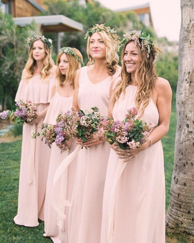 After you've found your gown, it's time to start figuring out the perfect bridesmaids dresses. No matter the size or style you're going for, you want your besties to feel awesome and look awesome. Today, we're sharingblush dress combos for you bridesmaids on the blog. Link in bio! Photograph by @agajones #tremaineranchblog #blushbridesmaids #blushwedding #bridesmaids #bridetribe #bridecrew #bridesmaiddress #bridesmaiddresses #wedding
