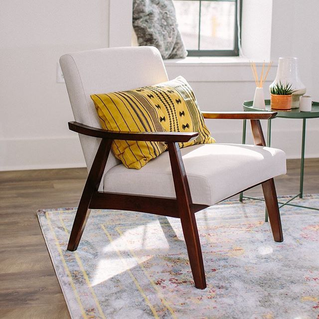 How great are these chairs? When looking for furniture for our @rowhouse25 property, we knew we wanted sleek and simple styles, that had a timeless design to them. These chairs from @wayfair were the perfect addition to our living spaces for both suites. Come stay at our historic property from 1881 and learn more at @rowhouse25. ⠀⠀⠀⠀⠀⠀⠀⠀⠀ Photo by @danielkimphoto ⠀⠀⠀⠀⠀⠀⠀⠀⠀ #florence #airbnb #desertlife #finditstyleit #interiordesign #jungalowstyle #sodomino #apartmenttherapy #thatsdarling #abmathome #flashesofdelight #homewithrue #bohemian #vacationrental #creativityfound #sweetdreamsdlf #airbnbphoto #mywestelm #historicproperty #ambularinteriorsaintgotnothingonme #currentdesignsituation #roomporn