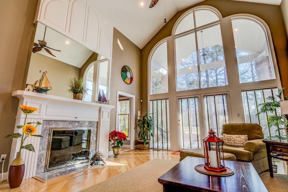 414 Hill Crest Dr Morehead City Living Room