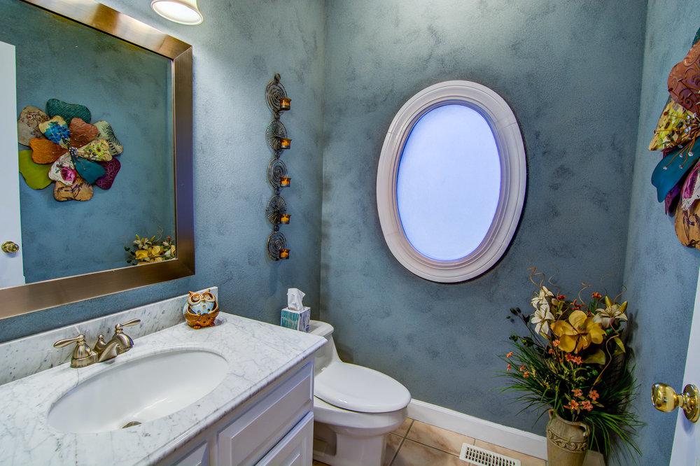 414 Hill Crest Dr Morehead City Bathroom