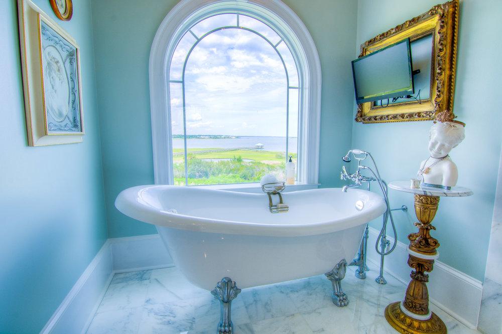 117 Michelle Manor Ct Newport Bathroom
