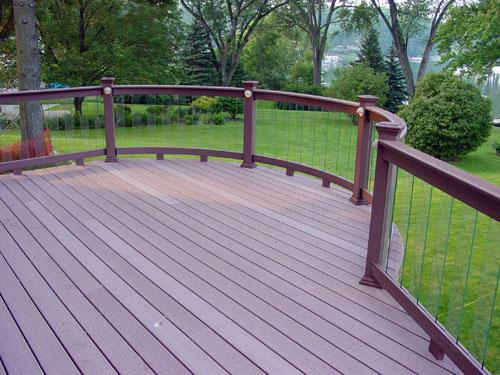curved-composite-deck-with-glass-pickets.jpg