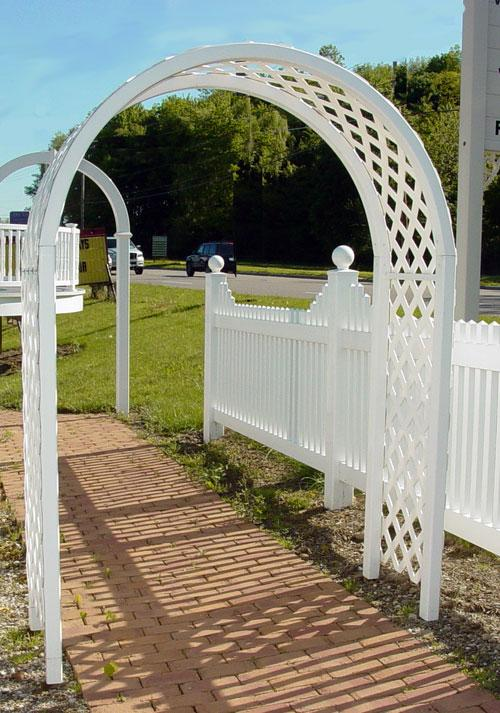 Curved Vinyl Arbor with lattice