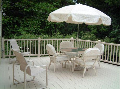 vinyl-decking-and-railing.jpg