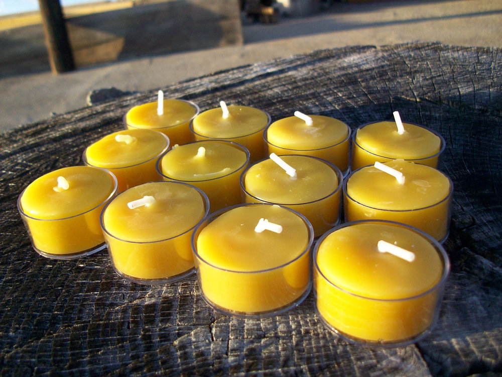 tea light candle gift box set of 12 natural beeswax tea lights in clear plastic cups