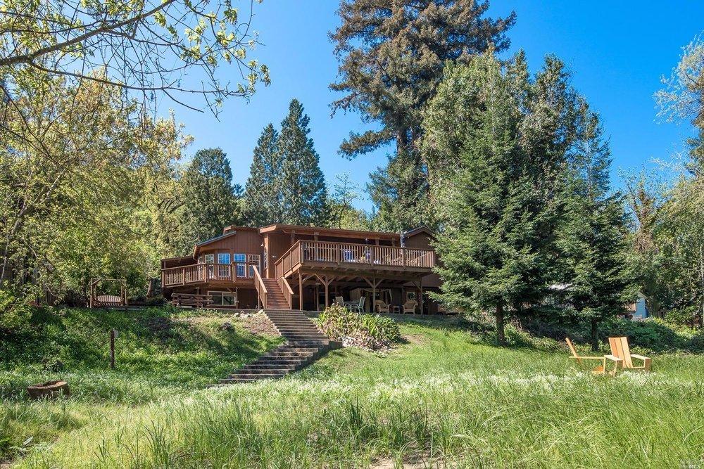 Healdsburg - Sold for $924,000