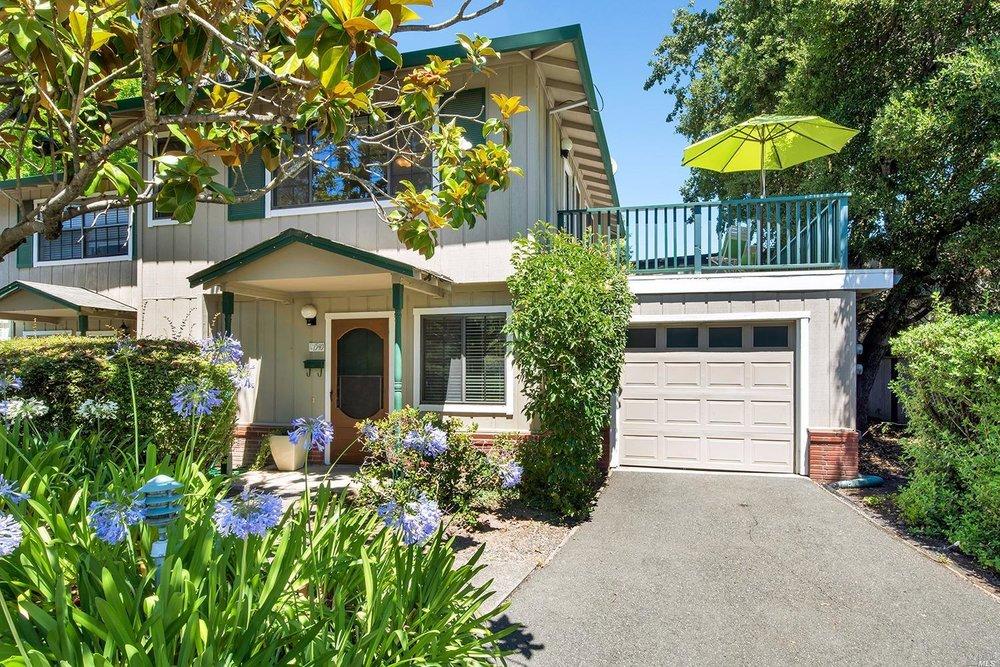 Santa Rosa - Sold for $412,500
