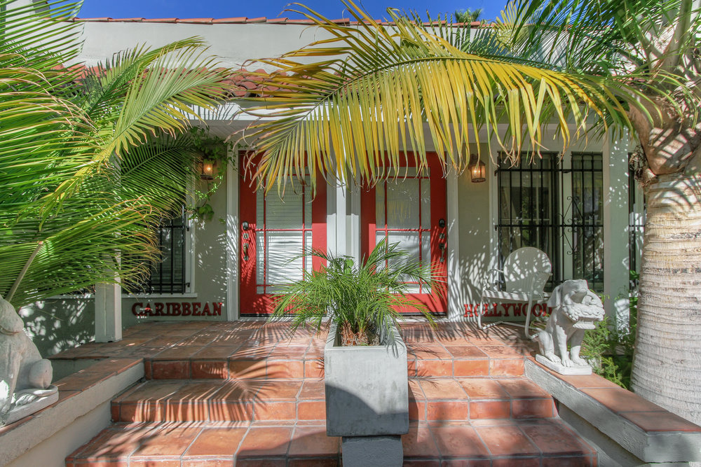 Hollywood - Sold for $1,049,000