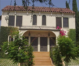 Hollywood - Sold for $1,035,000