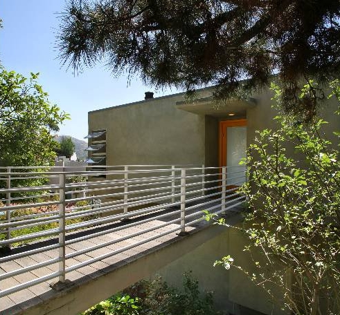 Hollywood Hills - Sold for $740,000