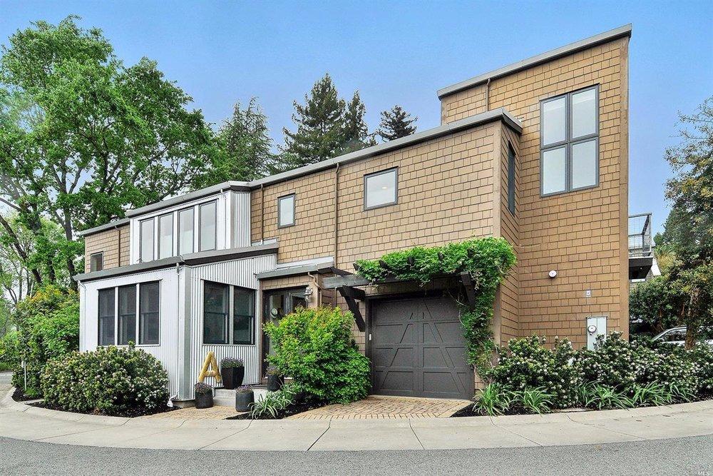 Healdsburg - Sold for $999,000