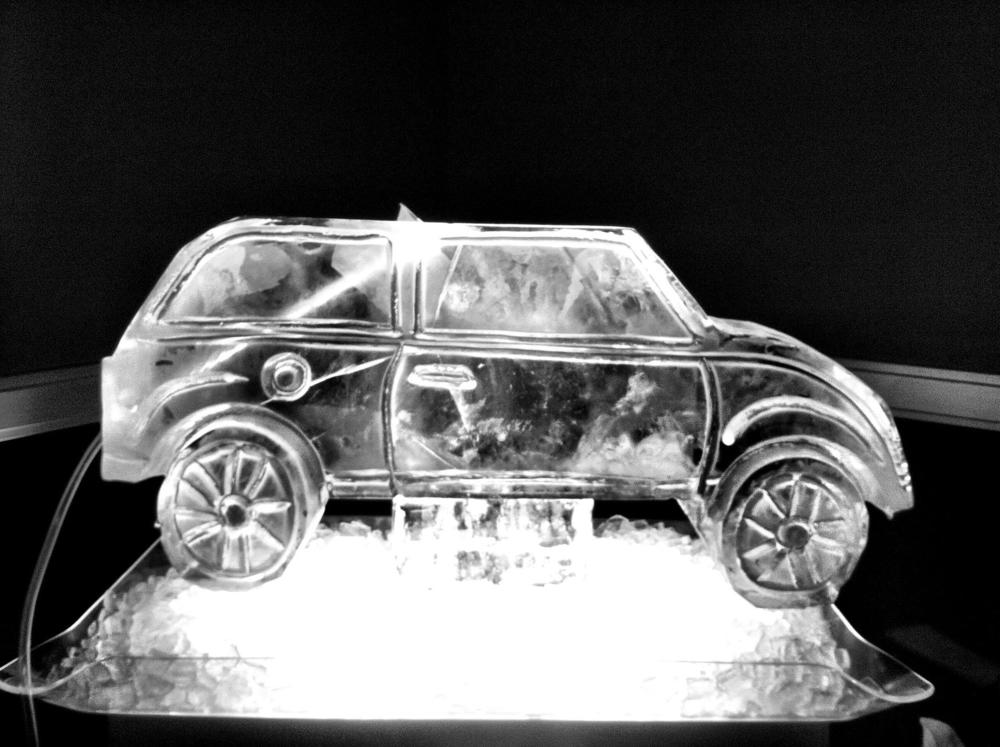Mini cooper ice sculpture