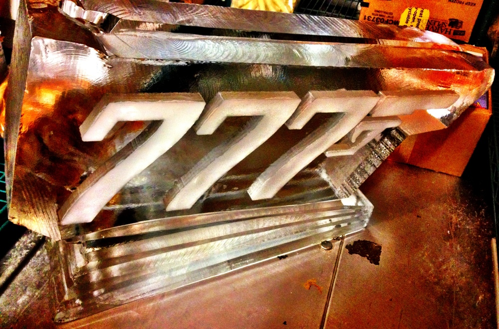 8) 777 Ice Scuplture