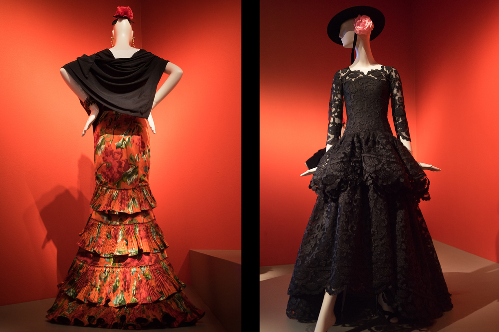The dress on the right, was designed by Oscar for his wife Annette de la Renta and it is his favorite dress of all he's designed for his wife.