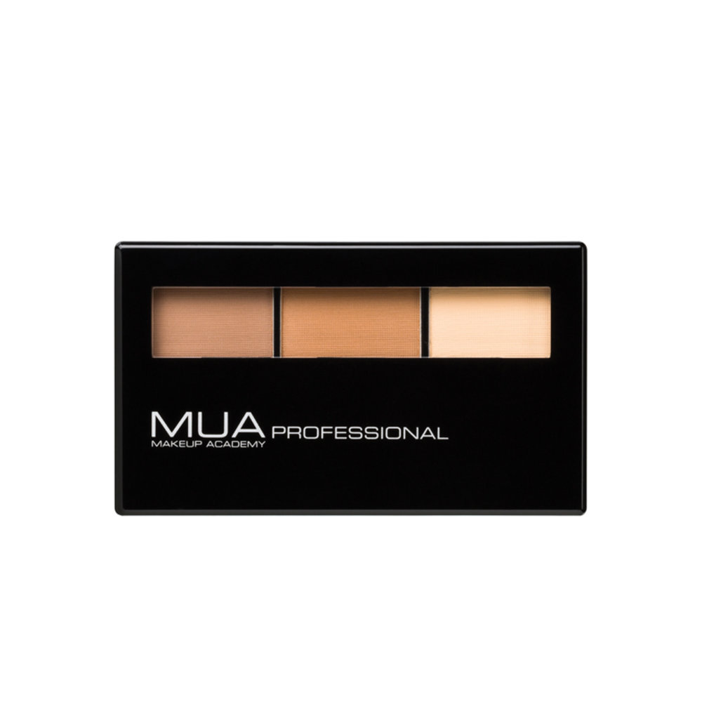 PRO Contour Palette  - With one highlighting and two contouring shades, this palette helps to define features instantly.