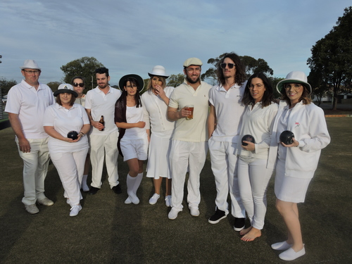 Barefoot bowls dress up.jpg
