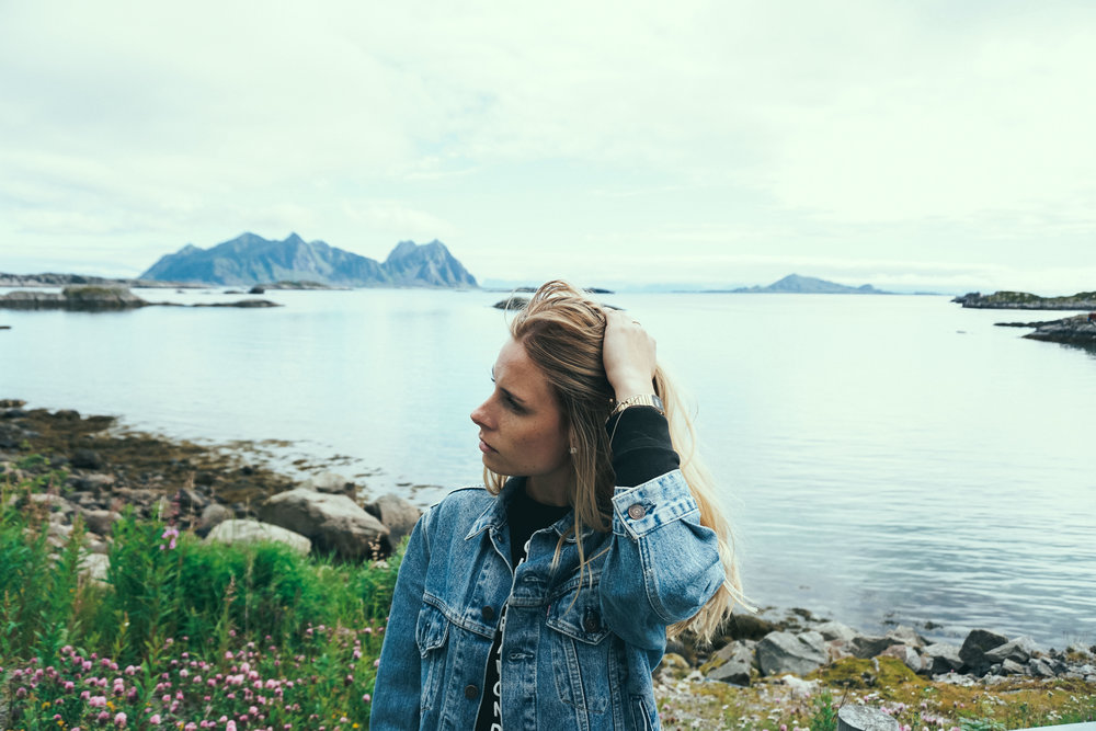 Road trip fashion with denim jacket