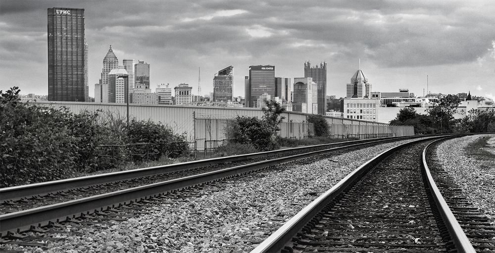 Pittsburgh-Skyline-Tracks-bw.jpg