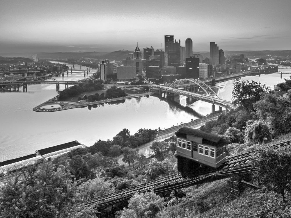 Pittsburgh-InclineBW01.jpg