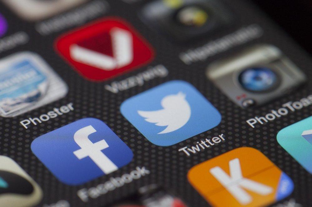 VO Voice-Over Social Media