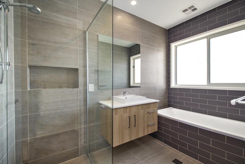 Main-Bath-0225.jpg