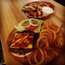 burgerwingsonbrookwood.jpg