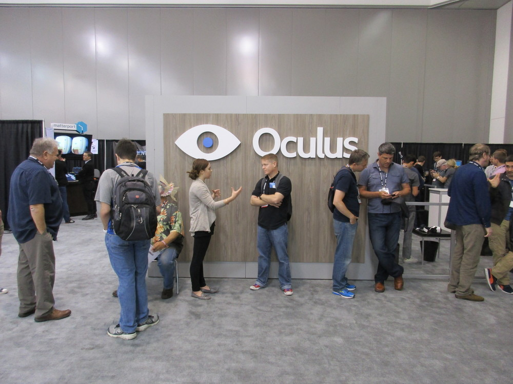 A line quickly forming outside of the Oculus booth