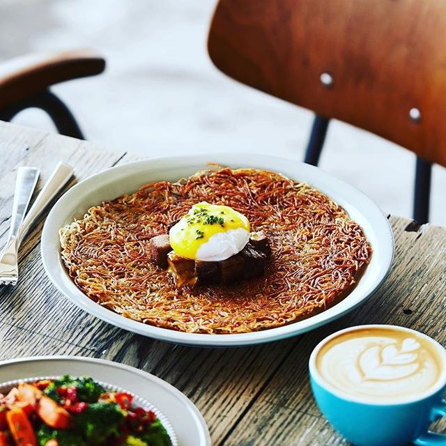 What the 'hash', c'mon out for brunch today!  #three3rds #wongchukhang #southsidehk #hk #hongkong #香港 #黃竹坑 #香港仔 #hkig #홍콩 #aberdeenhk  #foodstagram #topcitybites #hkfoodie #foodie #hkfood #instafood #foodlover #brunch #photooftheday #brunch #weekend #hashbrowns #instacafe