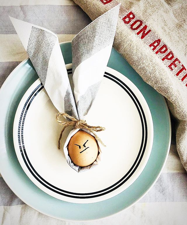 Message from the Egg: 'Stop taking me like a fool, I know I'm gonna be your dinner anyway!' Message from us: 'Happy Easter + Happy April's Fool!' 🐣🥚🤤 #three3rds #happyeaster #happyaprilfoolsday #eastereggs #hkig #instafood