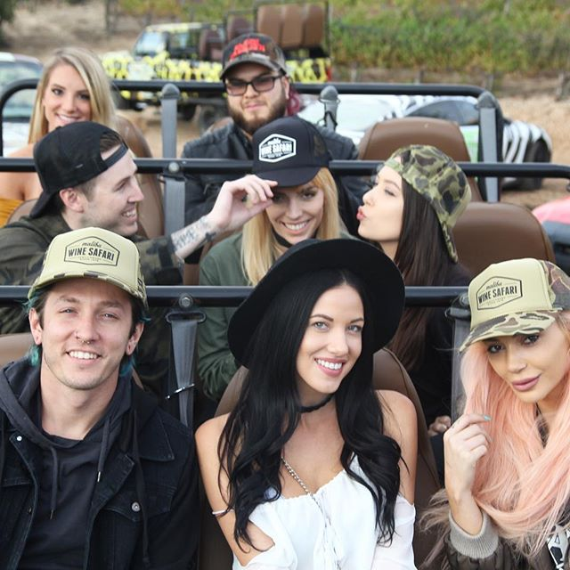 Life is meant for good friends and great adventures. #safari #malibu #lovelosangeles #thegreatoutdoors #malibuwinesafari . . . #chooseyourownadventure #californiadreamin #saddlerockranch