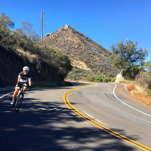 Good morning. Sunny skies, crisp breeze, short work week! . . Just outside our driveway you never know what cool things you'll find! Get outside and breath. #sunnydays #californiaweather #november #malibuhills #thegreatoutdoors #santamonicamountains #weather #la #fitlife #thanksgiving #traveltuesday #socal #conejovalley #cycling #muholland #zen #kanan